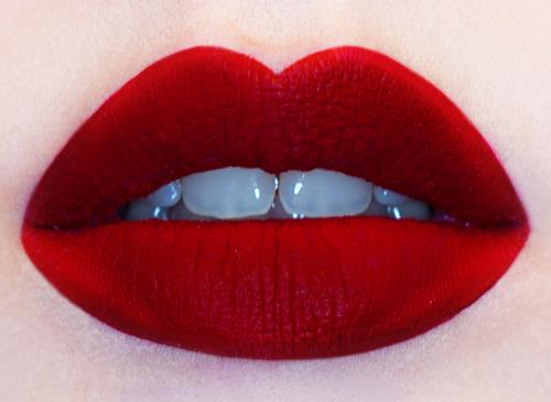 blogmas 2015, day 11, beauty wishlist, mac lipsticks, artsy, tumblr, pinterest, reds - swatches, on lips