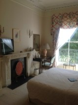 The bedroom of 112.