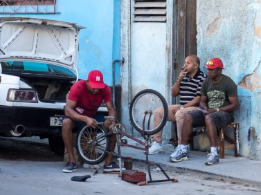 Street life is often accompanied by cigars