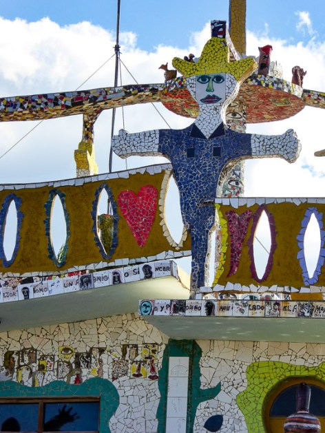 José Rodríguez Fuster is a Cuban artist who has decorated his own house and the houses of approximately 80 of his neighbours to form Fusterlandia, a strange public artwork. I wasn't convinced by the comparisons to Gaudí but it was oddly compelling in its own way.