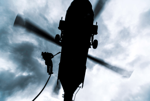 1-10th SFGA Special Forces Soldier fastroping from a Black Hawk helicopter in Europe (photo SOCEUR 2016).