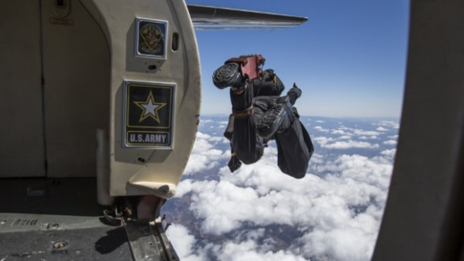 Golden Knights jump from C-31A Troopship during 2017 Marine Corps Air Station Miramar Air Show on September 22, 2017. (Photo by Lance Corporal Becky Calhoun, USMC)