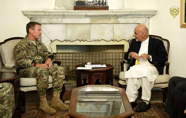 General Scott Miller, commander of the NATO Resolute Support Mission in Afghanistan, meets with Afghan President Ghani in September 2018.