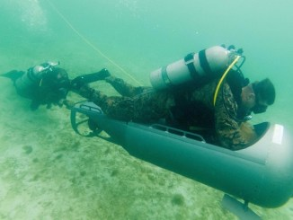 Marine Corps diver propulsion training