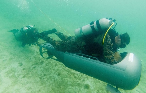 Marine Corps diver propulsion training