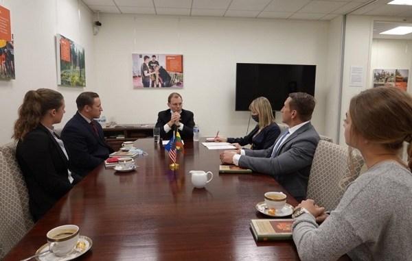CA teams learn Lithuanian Culture