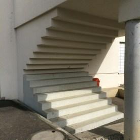 Sinnlose Kunsttreppe