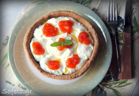 Μπολ κριθαροκουλούρας ( καύκαλο Κρήτης ) ,με μους φέτας και καυτερή μαρμελάδα καρπούζι!