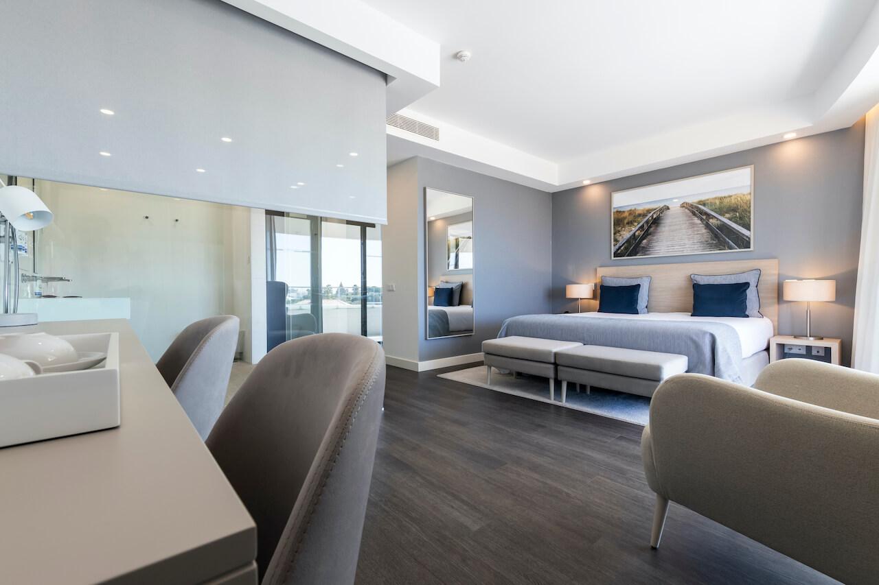 Longevity Hotel - Quarto   Bedroom
