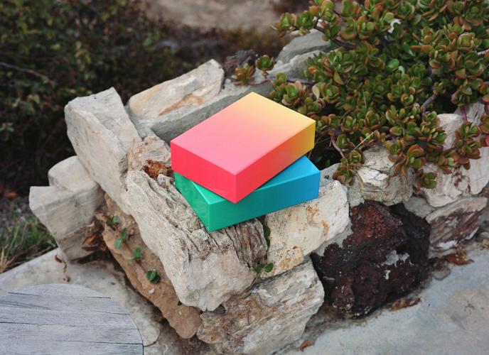 3043474-slide-s-2-a-minimalist-jigsaw-based-on-color-gradients