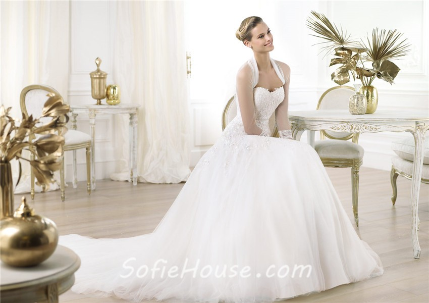 A Line Sweetheart Low Cut Back Lace Tulle Wedding Dress