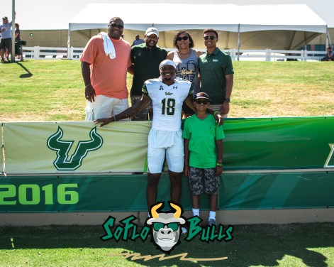 150 - USF Spring Game 2018 - USF WR DeVontres Dukes with Family by Dennis Akers - SoFloBulls.com (3336x2669)