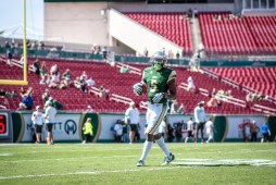 7 USF vs ECU 2016 - USF RB Marlon Mack Pre-Game (4263x2846)