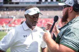 76 USF vs ECU 2016 - USF Head Coach Willie Taggart and Thor Jozwiak (6016x4016)