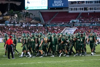 92 - Navy vs. USF 2016 - USF Football Team Gathered on the Field by Dennis Akers | SoFloBulls.com (4438x2963)