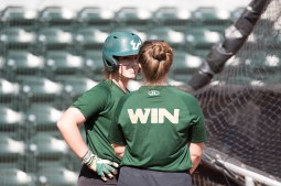 2017 USF Bulls Bulls Softball Players taking Batting Practice by Dennis Akers | SoFloBulls.com
