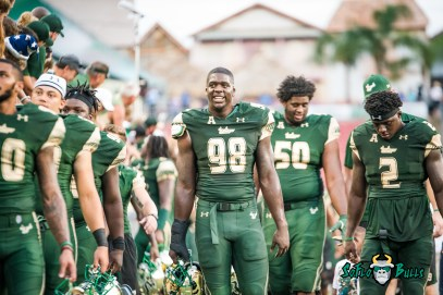 116 - Stony Brook vs. USF 2017 - USF DE Mike Love D'Ernest Johnson by Dennis Akers | SoFloBulls.com (6016x4016)