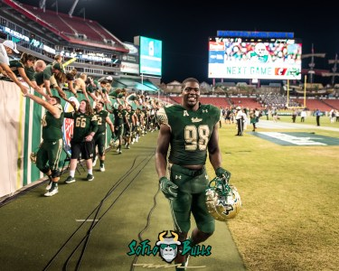 173 - Temple vs. USF 2017 - USF DE Mike Love by Dennis Akers | SoFloBulls.com (4292x3434)