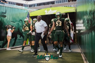 19 - Temple vs. USF 2017 - USF LB Danny Thomas Exiting Tunnel by Dennis Akers | SoFloBulls.com (4307x2875)