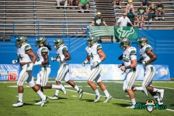 22 - USF vs. San Jose State 2017 - USF LB Auggie Sanchez Andre Polk Nico Sawtelle by Dennis Akers | SoFloBulls.com (5177x3456)