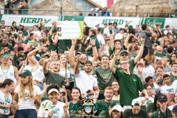 23 - Illinois vs. USF 2017 - USF Fans in Crowd by Dennis Akers | SoFloBulls.com (6016x4016)
