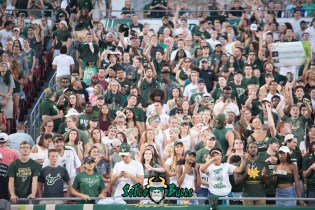 34 - Illinois vs. USF 2017 - USF Fans in Crowd by Dennis Akers | SoFloBulls.com (6016x4016)