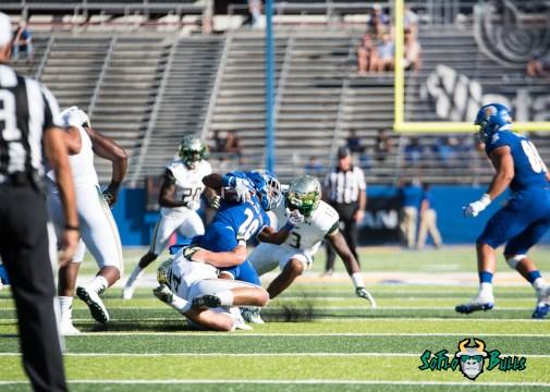 63 - USF vs. San Jose State 2017 - USF LB Nico Sawtelle Tajee Fullwood by Dennis Akers   SoFloBulls.com (3792x2709)