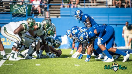 72 - USF vs. San Jose State 2017 - USF OL vs. SJSU DL by Dennis Akers   SoFloBulls.com (4779x2688)