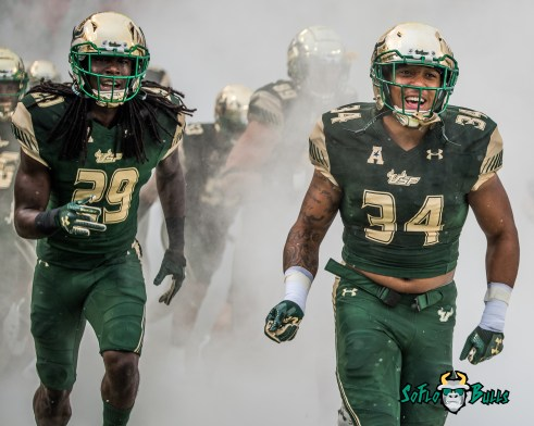 8 - Stony Brook vs. USF 2017 - USF LB Devon Jones-Stewart Keirston Johnson by Dennis Akers | SoFloBulls.com (3512x2810)