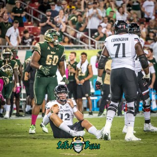 138 - USF vs Cinci 2017 - USF DT Bruce Hector (2221x2221)