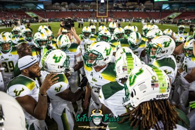 47 - Tulsa vs. USF 2017 - USF LB Auggie Sanchez Pre-Game with Team on Field by Dennis Akers | SoFloBulls.com (5591x3732)