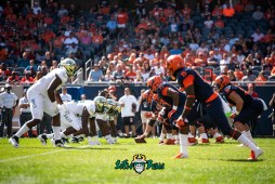 14 - USF vs. Illinois 2018 - USF USF DL vs. Illinois OL by Dennis Akers   SoFloBulls.com (5268x3517)