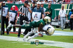 91 - Georgia Tech vs. USF 2018 - USF DB Ronnie Hoggins Goal Line Tackle by Dennis Akers | SoFloBulls.com (4836x3228)