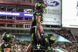 122 - USF vs. UConn 2018 - USF RB Johnny Ford Marcus Norman by Will Turner | SoFloBulls.com (4219x2818) - 0H8A8814