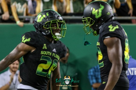 167 - USF vs. UConn 2018 - USF RB Johnny Ford Zion Roland by Will Turner   SoFloBulls.com (4203x2791) - 0H8A9200