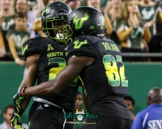 168 - USF vs. UConn 2018 - USF RB Johnny Ford Zion Roland by Will Turner   SoFloBulls.com (3771x3004) - 0H8A9201