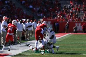 101 - USF vs. Houston 2018 - USF DB Nick Roberts Mike Hampton Khalid McGee by Will Turner   SoFloBulls.com (5472x3648) - 0H8A9601