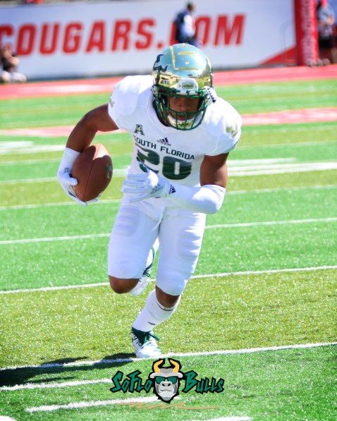 16A - USF vs. Houston 2018 - USF DB Bentlee Sanders by Will Turner | SoFloBulls.com (2400x3000) - 0H8A9350