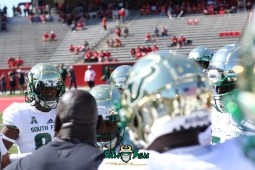 62 - USF vs. Houston 2018 - USF Football Team on field Pre-GameTDECU Stadium TE Chris Carter by Will Turner | SoFloBulls.com (5472x3648) - 0H8A9457