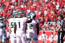 98 - USF vs. Houston 2018 - USF LB Khalid McGee Chris Barr by Will Turner | SoFloBulls.com (5472x3648) - 0H8A9594