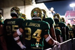 15 - Marshall vs. USF 2018 - USF LB Keirston Johnson Jacob Mathis by Dennis Akers | SoFloBulls.com