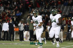 18 – USF vs. Cincinnati 2018 – USF QB Chris Oladokun Demetris Harris by Will Turner – SoFloBulls.com – 0H8A1003