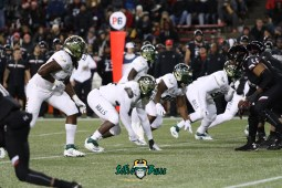 23 – USF vs. Cincinnati 2018 – USF LB Greg Reaves Tyrone Barber Brandon Boyce by Will Turner – SoFloBulls.com – 0H8A1011