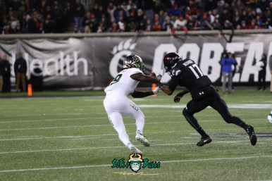 32 – USF vs. Cincinnati 2018 – USF DB Ronnie Hoggins by Will Turner – SoFloBulls.com – 0H8A1026