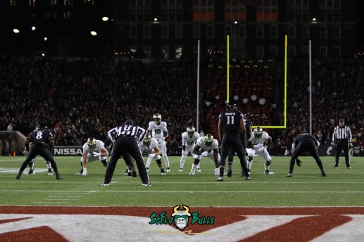 50 – USF vs. Cincinnati 2018 – USF QB Chris Oladokun Johnny Ford at Nippert Stadium by Will Turner – SoFloBulls.com – 0H8A1076