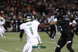 77 – USF vs. Cincinnati 2018 – USF DB Chris Barr by Will Turner – SoFloBulls.com – 0H8A1171
