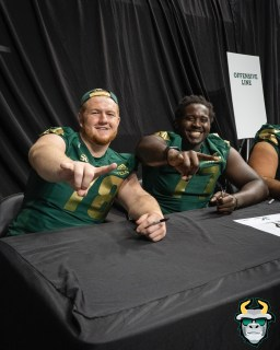 53 - USF OL Billy Atterbury Marcus Norman 2019 by David Gold DRG03405