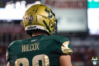 75 – Wisconsin vs USF 2019 – USF TE Mitchell Wilcox by David Gold – DRG05916