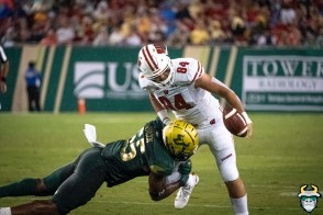 USF LB Patrick Macon forces Wisconsin TE Jake Ferguson to fumble by David Gold | SoFloBulls.com