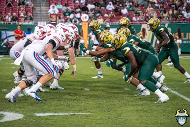 124 - SMU vs USF 2019 - Bulls DL vs. Mustangs OL by David Gold - DRG02224